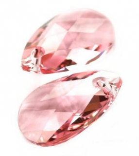 Swarovski pear-shaped 22 mm